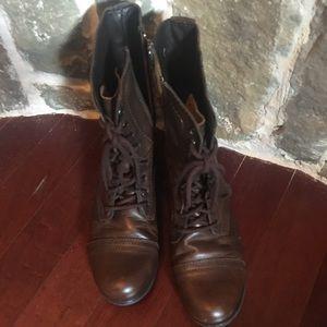 Sz 9 Steve Madden boots